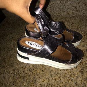 Shoes - vintage sandal